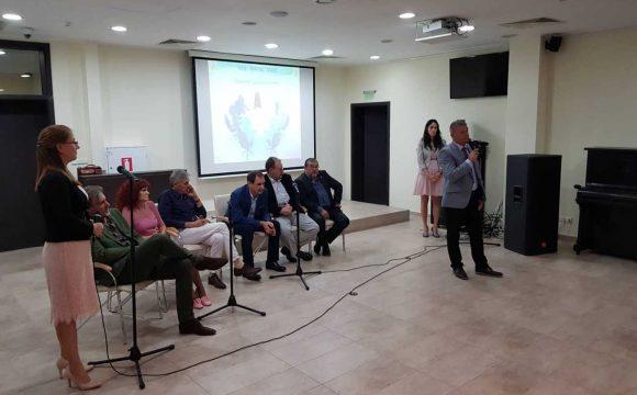 """""""Бялата лястовица"""" дава надежда на стотици с рак на гърдата жени от Бургас и страната"""