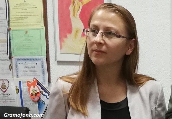 Медицинският онколог д-р Ася Консулова: Болката на пациентите е и наша