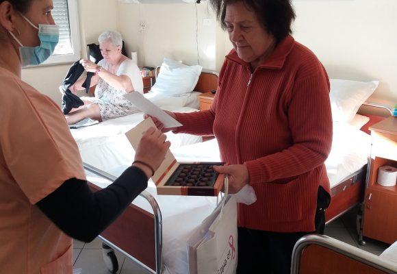Пациентки на Кмплексен Онкологичен Център- Бургас бяха зарадвани с подаръци за осми март