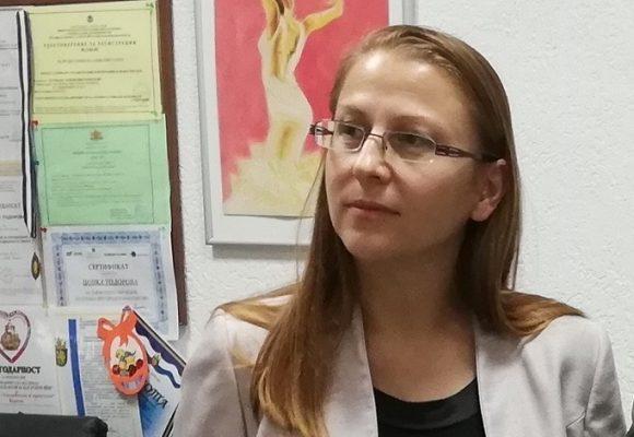 """Днес отбелязваме Световния ден за борба с рака. Онкологът д-р Ася Консулова от Бургас сподели за Радио """"Фокус"""" – Бургас, че най-честите онкологични болести и при двата пола се различават, като при жените най-честото онкологично заболяване е карцином на гърдата, докато при мъжете най-често срещаният карцином е този на белия дроб"""