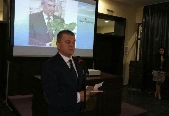 Ние в КОЦ – Бургас ще продължаваме да се грижим за пациентите, да раздаваме здраве, топлина и надежда.