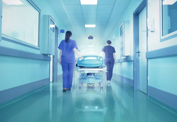 Проф. д-р Христо Бозов, управител на онкологичен център в Бургас: Дейността на основните отделения е свързана не само с диагноза, но и с лечение на пациентите